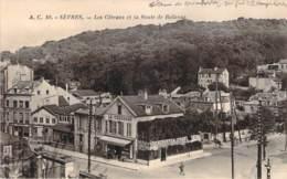 92 - Sèvres - Les Côteaux Et La Route De Bellevue (la Terrasse Café Restaurant) - Sevres