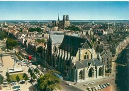 Cpsm -       Orléans -  L 'Eglise  St Paterne , Et La Cathédrale Ste Croix              V639a - Orleans