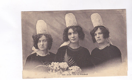 CPA  DPT 29 JEUNES FILLES DE PLOZEVET En 1911! - Plozevet