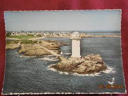 CPsM GF - Ile De Sein - Le Phare De Guéveur - Ile De Sein
