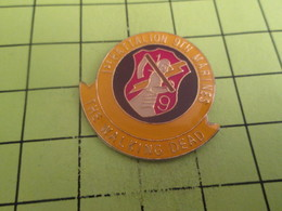 1315a Pin's Pins / Beau Et Rare : THEME : MILITARIA / 9Th MARINES 1st BATAILLON THE WALKING DEAD - Army