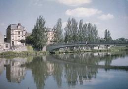 02 Soissons, Passerelle Piétonnière Sur L'Aisne (Cliché J.J Dubray) - Soissons