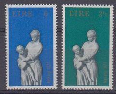 Ireland 1971 Christmas 2v ** Mnh (43571B) - Ongebruikt