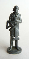 Rare FIGURINE KINDER  METAL LES METIERS 1 70's - MATHEMATICIEN ARCHITECTE Mathematiker (2) - Metal Figurines