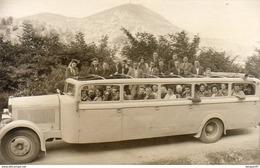 CARTE PHOTO Un Autobus De Touristes Non Situé  ............ Sans Doute Vers 1940 - Buses & Coaches