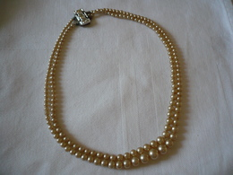 Doppel-Reihige Perlenkette (772) - Necklaces/Chains