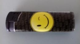 BRIQUET SMILE CLIN D'OEIL - Autres
