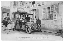 PIERREFORT (15, Cantal) Arrivée De L'Autobus Devant L'Hôtel Du Midi Mercou - Beau Gros Plan Animé - Editeur Jalabert - Non Classificati