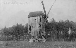 En Sologne : Un Vieux Moulin - France