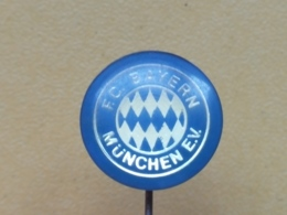 LIST 123 - FOOTBALL CLUB BAYERN MUNCHEN - PLASTIC PIN - Football
