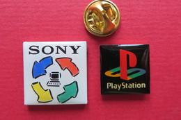 2 Pin's,Jeu SONY, Play Station,computer - Marcas Registradas