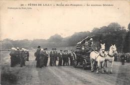CPA 59 FETES DE LILLE REVUE DES POMPIERS LE NOUVEAU DEVIDOIR (cliché Rare - Lille