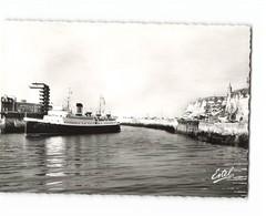 76 Dieppe Le Lisieux Entrant Au Port Bateau Paquebot CPSM GF Edit Estel N°55207 - Dieppe