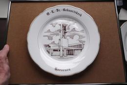 O.-L.-Vr.- GEBOORTEKERK > HOEVENEN > Bord +/- 24 Cm. > MAGVAM Czechoslovakia  / Uitgifte 16 Dec 1985 (zie/voir Photo) ! - Ceramics & Pottery