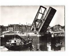 76 Dieppe Le Nouveau Pont Levé Bateau De Peche  CPSM GF Edit Estel N°5156 Photo - Dieppe