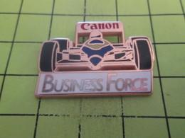 810H Pin's Pins / Beau Et Rare : THEME : AUTOMOBILES / F1 FORMULE 1 CANON BUSINESS FORCE Par DRAGO - F1