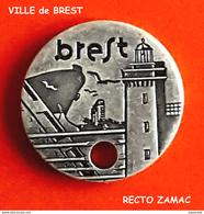 SUPERBE JETON De CADDIES : VILLE De BREST En ZAMAC BRONZE, Verso ZAMAC En Creux, Gravure RECTO - Jetons De Caddies