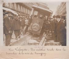 1912 RUE LAFAYETTE UN AUTOBUS TOMBE DANS LA TRANCHÉE TRAMWAY +-18*13CM Maurice-Louis BRANGER PARÍS  (1874-1950) - Coches
