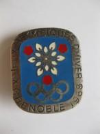 Insigne Jeux Olympique Hiver 1968 Grenoble Par Arthus Bertrand - Olympische Spiele