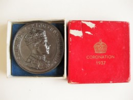 Medaille Et Boite. Edward VIII Coronation Medal Crowned 1937 - Royaux/De Noblesse