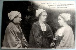 CPA 29 LESNEVEN, BRIGNOGAN, PLOUNEOUR TREZ - Jeunes Filles - Costumes Du Dimanche - Hamonic 4428 - Réf. L 78 - Brignogan-Plage