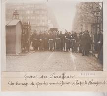 1912 GRÈVE DES CHAUFFEURS PORTE CHAMPERRET TAXIS  +-18*13CM Maurice-Louis BRANGER PARÍS  (1874-1950) - Coches
