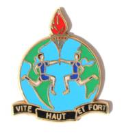 Pin's HAUT VITE ET FORT - Couple D'athlètes Tenant La Flamme Olympique - Mappemonde - Zamac - Boussemart - I405 - Sin Clasificación