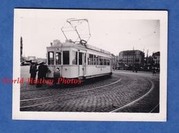 Photo Ancienne Snapshot - OSTENDE - Ligne De Tramway LA PANNE / OSTENDE / LE ZOOTE / KNOKKE - Pub Vinaigre L'Etoile - Trenes