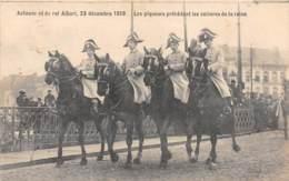Avênement Du Roi Albert, 23 Décembre 1909 - Les Piqueurs Précédant Le Voitures De La Reine - Familles Royales