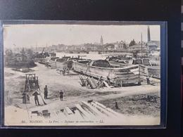 CPA (42)  ROANNE.  Le Port.Bâteau En Construction. Animation.  (G Bis 638). - Roanne