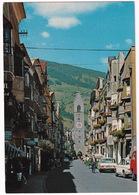 Vipiteno - Sterzing: SIMCA 1501, MERCEDES W115, FIAT 125S, VW T1B-BUS - Via Citta Nuova - (Italia) - Toerisme