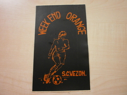 Autocollant Ancien S.C. VEZON Week-end Orange - Vignettes Autocollantes