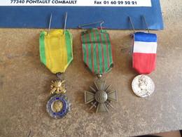 3 Medailles Tel Quelles Sont - Autres