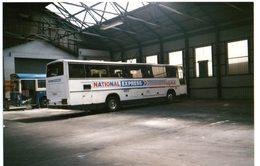 35mm ORIGINAL PHOTO BUS NATIONAL EXPRESS BUS GARAGE - F050 - Postcards