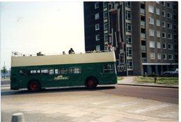 35mm ORIGINAL PHOTO BUS PEOPLE'S PROVINCIAL BUSES PORTSMOUTH - F056 - Cartoline