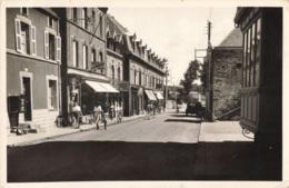 R200005 Les Belles Plages Normandes. 5009. Carteret. Manche. Rue De Paris. Normandes. 1957. Le Goubey - Cartes Postales