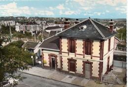 Maurecourt Belle Vue De La Gare Gare - Maurecourt