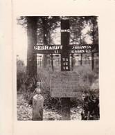 Foto Soldatenfriedhof - Grab Eines Deutschen Soldaten - 2. WK - 5,5*4cm (42595) - Krieg, Militär