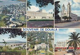 CPM CAMEROUN - DOUALA En 1972 - La Poste, L'Hôtel Des Cocotiers Et L'Akwa Palace - Cameroun