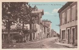 CPA :MONTREJEAU (35) RESTAURANT CUISINE BOURGEOISE RUE DES PYRÉNÉES - France