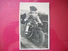 Angers 49 . Fete Foraine . Carte Postale Photo D' Un Enfant Sur Une Moto De Manege En 1936 . 2 Photos . - Angers