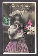 CPA Enfant Fillette Coiffée Et Habillée Avec élégance - Pretty Girl - Photo - Portraits