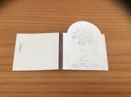 Pochette D'allumettes * Originale ANGLETERRE «Fiona And Gerard 1987» (cloche) - Matchboxes