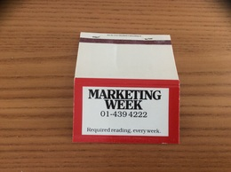 Pochette D'allumettes ** ANGLETERRE «MARKETING WEEK» - Matchboxes