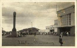Indonesia, JAVA BANDUNG, Railway Station, Lantern Monument (1930) RPPC Postcard - Indonesië