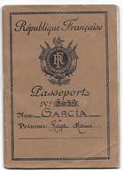 PASSEPORT 1957 FRANCE GARCIA ROGER NE 1916 ORAN ALGERIE SECRETAIRE GVT GENERAL - GENEVE JUNQUERA CERBERE PORT BOU - Documents Historiques