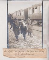 LE DÉPART DES JOYEUX A LA GARE DE BERCY UN RECALCITRANT  18*13CM Maurice-Louis BRANGER PARÍS (1874-1950) - Trenes