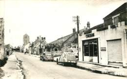 91 - LES GRANGES LE ROI - Route D'Angerville En 1960 - Citroen 2CV + Traction Devant Un Café - Autres Communes