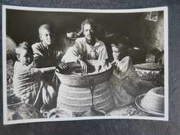 IT  - ETHIOPIE - ETIOPIA - Famiglia Abissina - L'ora Del Pranzo - Famille Abyssinienne - L'heure Du Déjeuner - Ethiopia