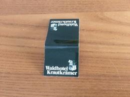 "Pochette D'allumettes Allemagne ""Waldhotel Kraukrämer - GERMANIA Pils 2000 (bière) - MÜNSTER"" - Matchboxes"